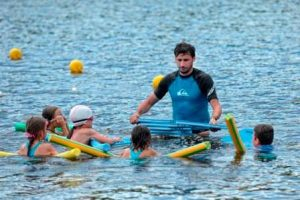 Opération J'apprends à Nager à l'étang de Rouffiac : Une première réussie pour le Conseil départemental de la Dordogne associé au club!